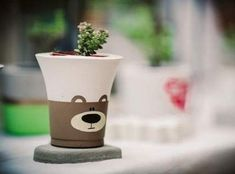 Cement Art, Concrete Crafts, Concrete Design, Concrete Planters, Cute Crafts, Diy And Crafts, Garden Wedding Centerpieces, Cute Paintings, Painted Pots