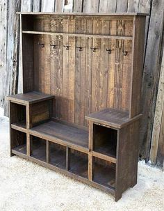 Rustic Reclaimed Hall Tree Bench rustic home decor home ideas home decorating home projects home decoration ideas decorating ideas for home Pallet Furniture, Furniture Projects, Pallet Projects, Rustic Furniture, Home Projects, Smart Furniture, Diy Pallet, Pallet Ideas, Pallet Couch