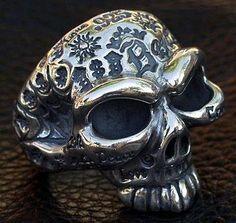 Bill Wall Leather/ビルウォールレザー RINGS/リング Graffiti Mastre Half Skull Ring 9 シルバー (ビルウォールレザー) Bill Wall Leather, http://www.amazon.co.jp/dp/B005SZX6BC/ref=cm_sw_r_pi_dp_wTlcsb0HCCS6D