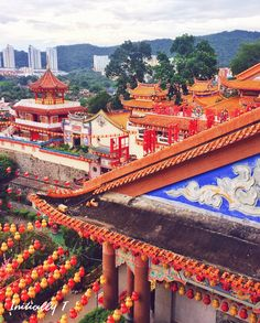 Things to do in Penang, Malaysia - Visit Kek Lok Si temple! Definitely come around Chinese New Year to see this beautiful place lit up with colourful lights and lanterns 😍   Address: 1000-L, Tingkat Lembah Ria 1, 11500 Ayer Itam, Pulau Pinang, Malaysia