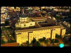 """CIUDA DE TOLEDO. Tiene su antecedente en Toletum, nombre que los romanos dieron a este asentamiento a orillas del río Tajo tras su conquista en el 190 a. C. La ciudad mantuvo su importancia durante siglos y llegó a convertirse en capital de Hispania (s. VI). La llegada de los árabes en el siglo VIII, unida a la presencia de cristianos y judíos, hizo de Toledo la """"ciudad de las 3 culturas"""". Fue una de las épocas de mayor esplendor. Mas info: http://www.t-descubre.com/es/toledo/historia.php"""