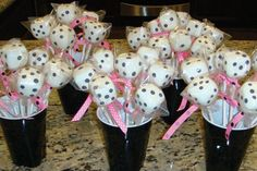 Cake Pops for Bunko or Vegas party Vegas Theme, Vegas Party, Casino Party, Casino Night, Yummy Treats, Sweet Treats, Bunco Party, Party Favors, Birthday Parties
