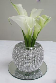 Bling up your centrepieces with our diamante bowls and calla lily arrangements Diy Centerpieces, Vases Decor, Centrepieces, Diy Arts And Crafts, Easy Diy Crafts, Table Decor Living Room, Dollar Tree Decor, House Plants Decor, White Wedding Decorations