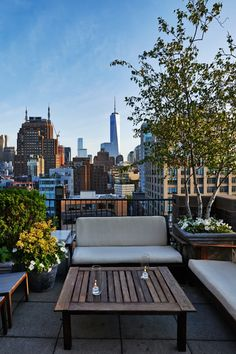 The highlight of a summer stay at SIXTY SoHo is access to the intimate rooftop bar, A60. With a front and center view of the Freedom Tower, you can't beat this view. #Jetsetter