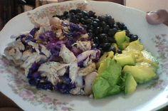 purple cabbage with chicken meat without skin/fat grilled, black beans and avocado- repollo morado con carne de pollo sin piel/grasa a la plancha, habichuelas negras y aguacate