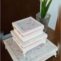 Trio de caixas floral maravilhoso, para guardar os sapatinhos, meias e laços da…