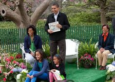 The White House First Family with President Barack Obama, Michelle, Malia, Sasha and Marian Robinson, Michelle's mother.  The picture was taken at the White House Easter Egg Roll in 2009.