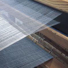 Back to studio👌👌Happy❣️ #handmade #handwoven #linen #shawl #uego_craft #textile #textilecraft #craft #konsthantverk #sweden  #madeinsweden #sashiko #pattern #スウェーデン #北欧 #テキスタイル #手織り #ハンドメイド #刺し子