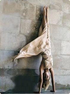 Gisele + Grace Coddington styling = amazing photographs :)