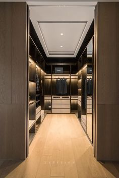 44 walk in closet designs for dream luxury homes 25 Walk In Closet Design, Bedroom Closet Design, Closet Designs, Master Bedroom, Dressing Room Closet, Dressing Room Design, Dressing Rooms, Wardrobe Room, Modern Closet