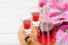Nalewka z czerwonych porzeczek Cordial, Wine Decanter, Barware, Menu, Table Decorations, Drinks, Bottle, Liqueurs, Schnapps