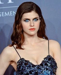 Hollywood Fashion, Hollywood Celebrities, Hollywood Actresses, Prettiest Actresses, Beautiful Actresses, Alexandra Daddario Baywatch, Beautiful Eyes, Beautiful Women, Alexandra Daddario Images