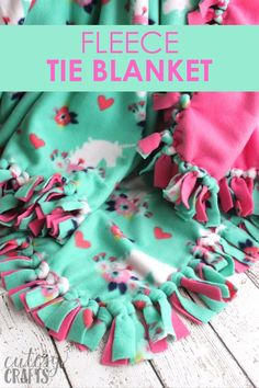 Easy no-sew fleece tie blanket tutorial Fleece Tie Blankets, No Sew Fleece Blanket, No Sew Blankets, Make A Tie, How To Make, Sewing Projects, Projects To Try, Bee Crafts, Love Craft