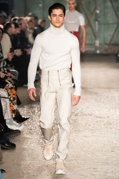 GmbH Fall 2019 Menswear Collection - Vogue Men fashion Runway look outfit pullover The complete GmbH Fall 2019 Menswear fashion show now on Vogue Runway. Men Street, Street Wear, La Mode Masculine, Masculine Style, Vogue Men, Style Casual, Men's Style, Casual Wear, Casual Shoes