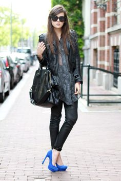 Oversized grey blouse with leather jacket+oversized bag, not liking the brown sunglasses, I'd switch them out for aviators. Black skinnies+cobalt blue pumps. Lovely.