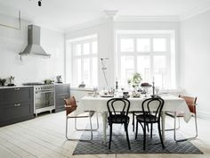 Un appartement en gris et briques (via Bloglovin.com )