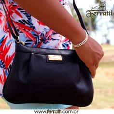 As bolsas compactas transversais são perfeitas para levar o essencial. Aproveite!!