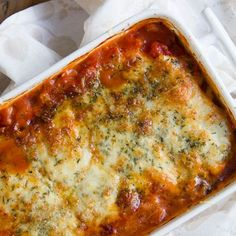 Lasagna, Catering, Pizza, Cheese, Ethnic Recipes, Food, Catering Business, Gastronomia, Essen
