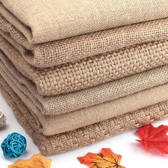 Burlap Crafts, Fabric Crafts, Sewing Crafts, Diy And Crafts, Sewing Projects, Decor Crafts, Diy Projects, Burlap Fabric, Mesh Fabric