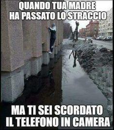 Chi non lo conosce benissimo? Memes Humor, Funny Video Memes, Funny Jokes, Funny Images, Funny Photos, Verona, Funny Twilight, Funny Instagram Memes, Italian Memes