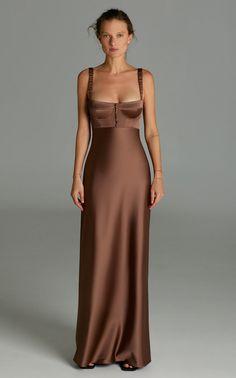 Grad Dresses, Satin Dresses, Brown Satin Dress, Best Maxi Dresses, Satin Gown, Pretty Dresses, Beautiful Dresses, Elegant Dresses For Women, Look Retro