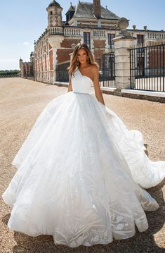 One shoulder ball gown wedding dress : Milla Nova wedding dress #weddingdress #weddinggown #wedding #bridedress