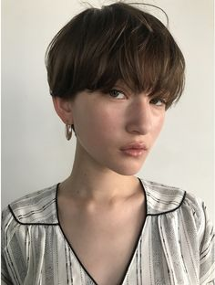 Long Shorts, Short Cuts, Perm, Hair Highlights, New Hair, Hair Ideas, Short Hair Styles, Hair Makeup, Hair Cuts