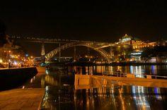 #포르투갈#포르투 넘어오면서 진짜 예쁘다고 반해버린 다리. #야경 은 더 환상적. 에펠탑이 떠오른다면 빙고. 에펠의 제자 작품이라고! . . #여행스타그램#야경스타그램#travle#travlegram#night#nightview#bridge#douro#portugal#porto#potd by bin_1203
