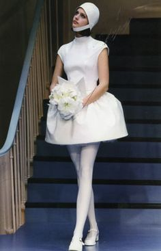 Bride in Pierre Cardin, Mega Fashion, 60s And 70s Fashion, Unisex Fashion, Retro Fashion, Vintage Fashion, Pierre Cardin, Vintage Outfits, French Fashion Designers, Vintage Mode