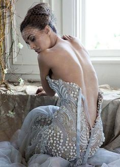J'Aton Couture wedding gown via Ah, The Pretty Things.