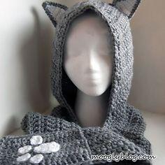 Cuddly Cat Crochet Scoodie with Pockets - a free pattern on mooglyblog.com #crochet #cat #winter