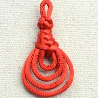 http://lc.pandahall.com/articles/1015-chinese-knot-tutorial-on-tying-pipa-knot.html