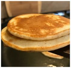 Fluffy Low Carb Pancakes or Waffles Recipe Ingredients 4 oz cream cheese 4 eggs 1 tbs Stevia 4 tbs coconut flour 1 1/2 tsp baking powder 1/2 tsp cinnamon 1 tbs heavy cream Here are the process photos showing how to make these low carb pancakes.