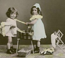 Old Real Photo Girls w/DOLL+Toy cloth. Stereoview Trade Card SOUZA CRUZ / BRAZIL
