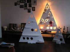 leuke houten kerstboom met verlichting erachter ! Door MarionDor