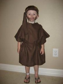 10 minute nativity shepherd costume from a bath towel vanillajoy this guide contains bible costume ideas biblical character costumes can be simple to put together child halloween costumesparty costumesdiy solutioingenieria Gallery