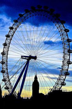 Nightfall on Big Ben and The London Eye London Eye, London England, Picture Wall, Beautiful World, Big Ben, The Good Place, Fair Grounds, Eyes, Ferris Wheels