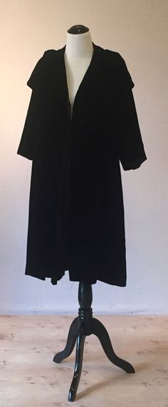 Gorgeous 1940/'s Black Studded /& Cord Detail Swing Coat Holiday Perfect