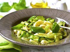 courgette, ail, basilic, huile d'olive, poivre, sel