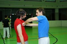 Bei einem Schlagseminar. Wie führe ich die Faust SYSTEMA Austria Austria, Training, Pictures, Work Outs, Excercise, Onderwijs, Race Training, Exercise, Studying