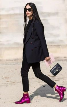 fashionable outfit / blazer + bag + pants + pink boots