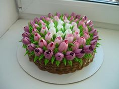 Tulips Russian piping tips >> 50 Pictures of Unique and Creative Food Recipes - Delicious Comments in Topic Cake Decorating Techniques, Cake Decorating Tips, Cookie Decorating, Pretty Cakes, Beautiful Cakes, Amazing Cakes, Tulip Cake, Floral Cake, Bolo Super Man