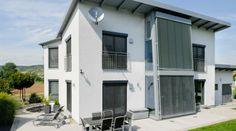 Einfamilienhaus mit Pultdach in Ebenhausen modern und mit viel Platz