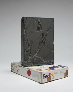 Artist Walead Beshty Shipped Glass Boxes Inside FedEx Boxes to Produce Shattered Sculptures Sculpture Art, Sculptures, Mirror Photography, Laminated Glass, Colossal Art, Shattered Glass, Glass Boxes, Oeuvre D'art, Graphic