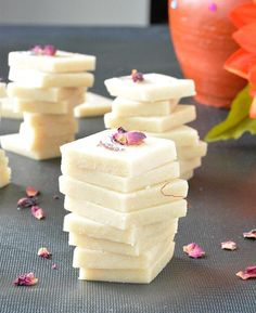 Looking for a quick and easy sweet for the upcoming festive season, then give this sweet delicacy a try. Kaju katli or cashew fudge is a popular Indian sweet prepared with cashews and sugar syrup. Indian Dessert Recipes, Indian Sweets, Sweets Recipes, Snack Recipes, Snacks, Indian Recipes, Nutella, Chocolates, Kaju Katli