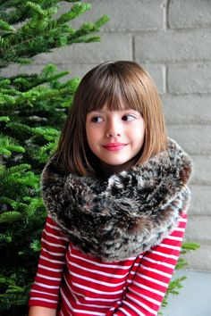 Aesthetic Nest: Sewing: Faux Fur Infinity Scarf for Women (Tutorial)