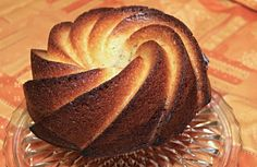 The orange Gugelhupf tastes wonderful and is particularly juicy. A classic cake recipe for the next tea round. - Food and Drinks Ideas Baking Recipes, Cake Recipes, Austrian Cuisine, Bowl Cake, Home Bakery, Classic Cake, Köstliche Desserts, Food Cakes, Pot Pie