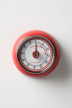 Magnetic Kitchen Timer from Anthropologie. Retro and functional