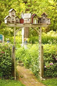 When decorating your yard, consider adding a garden fence to your home's decorating plans. Adding a garden fence is a great way to add a beautiful feature to your home. You can use the fence as a way to highlight… Continue Reading → Tor Design, Fence Design, Bird Bath Garden, Garden Cottage, Diy Garden Decor, Garden Art, Easy Garden, Garden Ideas, Fence Ideas