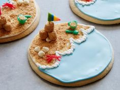 Reminiscing about a wonderful day in the sun? Come inside and build these scenic sandcastle cookies to celebrate beach days all summer long.